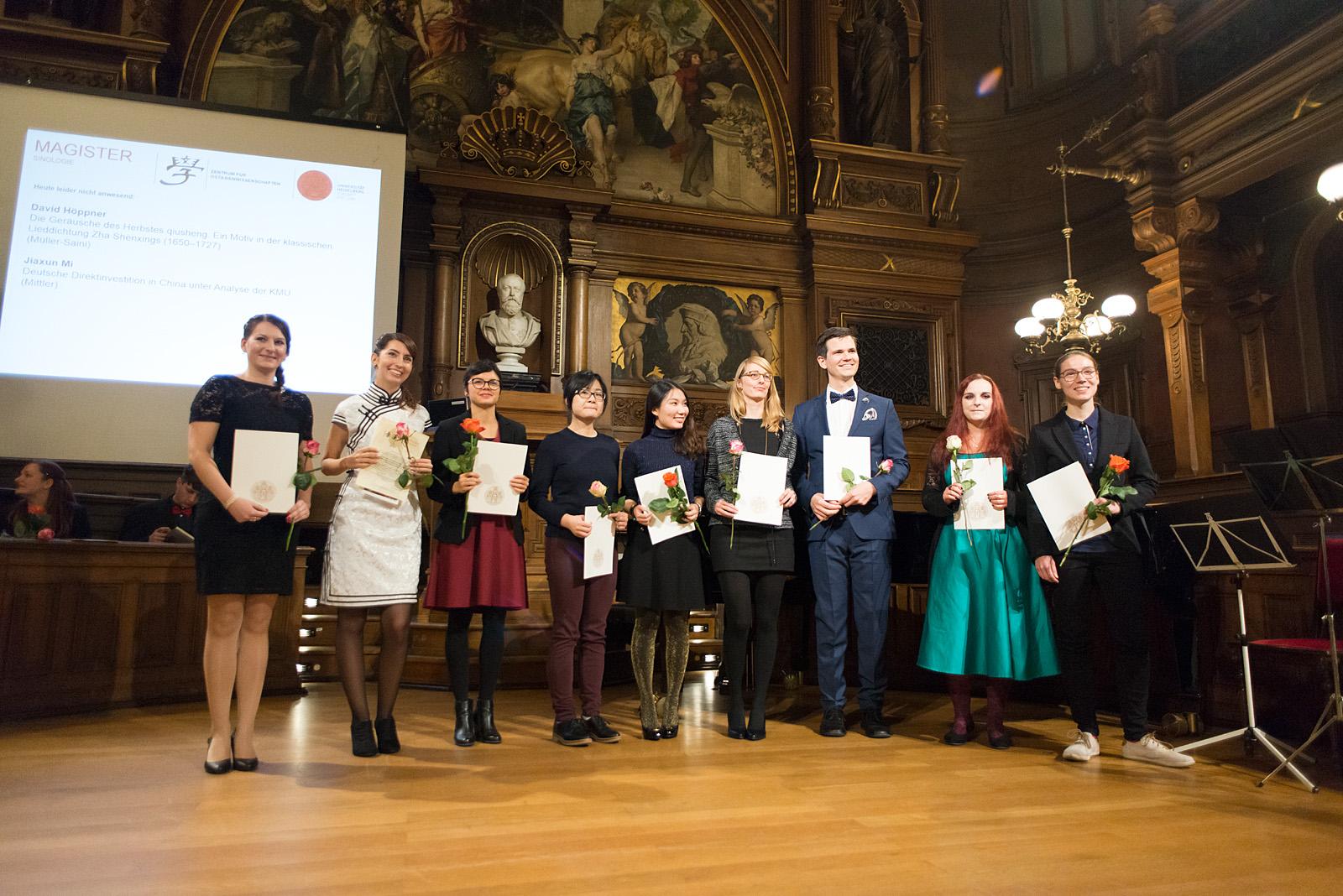 Absolventinnen Und Promotionsfeier Institut F 252 R