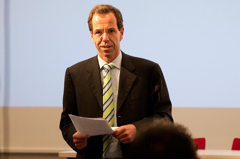 12. Juli 2011 | Dr. Cornelius Götze